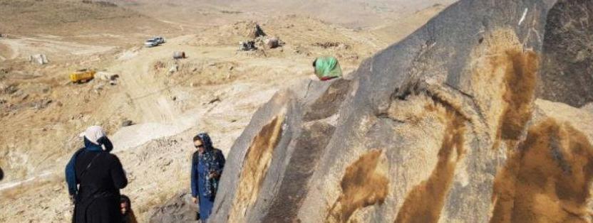 نوشدارو بعد از مرگ سهراب ، معدن نزدیک به سنگ نگاره های چند هزار ساله طرقبه پلمپ شد
