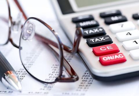مهر 98 رسید، اما دولت و مجلس همچنان دست به اصلاح نظام مالیاتی نمی زنند