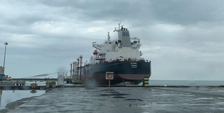 ورود نفتکش ها؛ دوره جدیدی در عرصه بین الملل شروع شده است