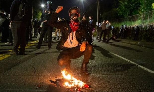 سازمان ملل خواستار توقف خشونت پلیس آمریکا در برابر معترضان شد